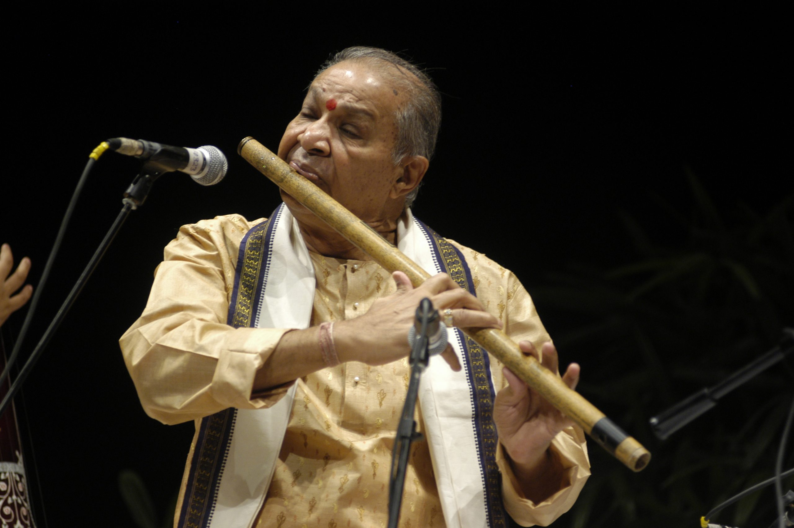 Besides Pure Classical Ragas, Hariprasad Chaurasia Worked on Experimental Music