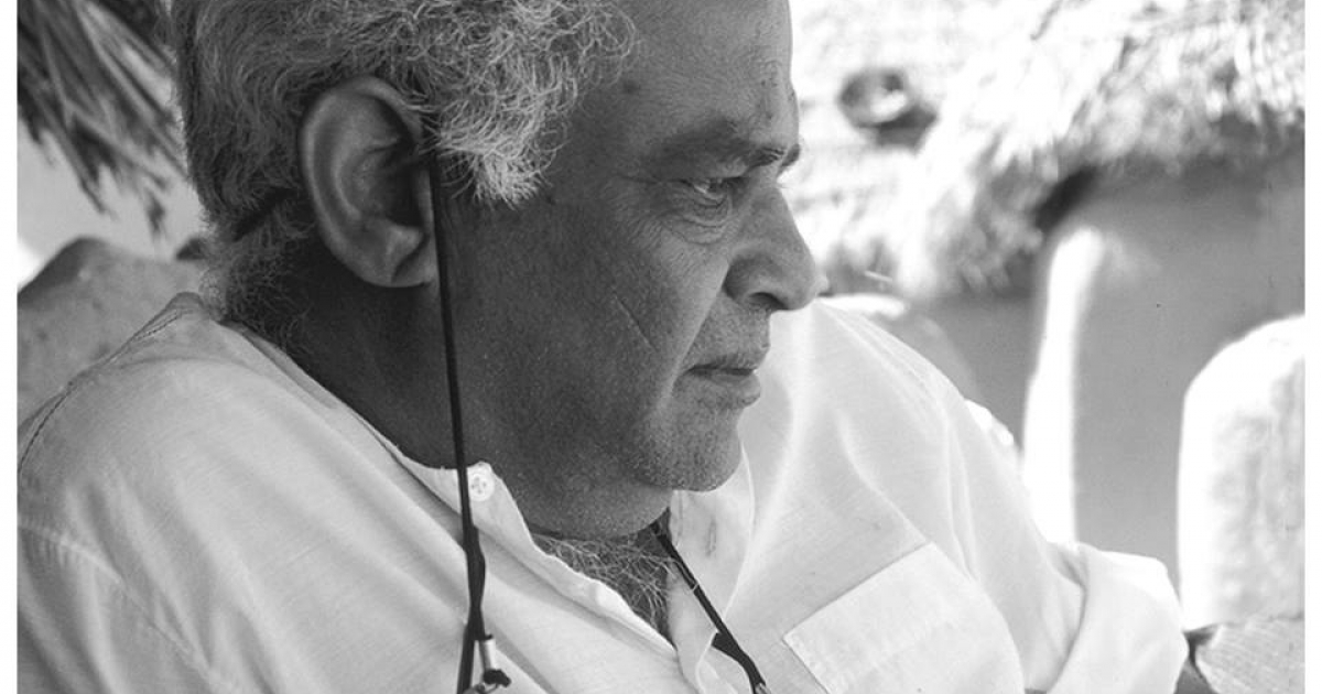 Biography of an Indian folklorist and ethnomusicologist Komal Kothari