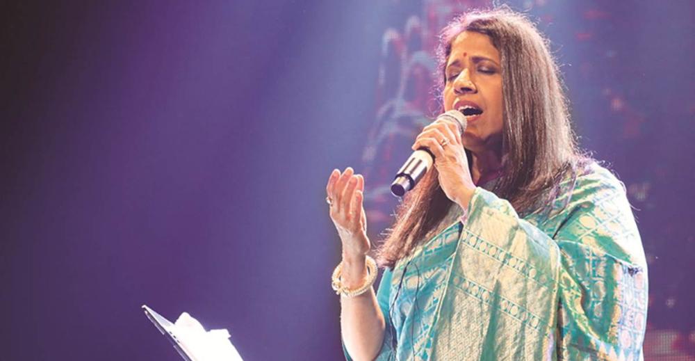 Kavita Krishnamurthy: कैसे नाम बदलकर शारदा बनी कविता कृष्णमूर्ति